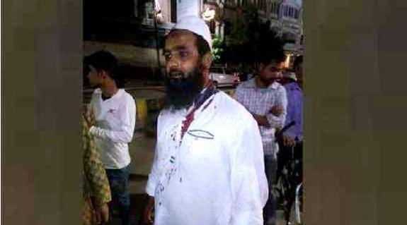 पीएम मोदी के संसदीय क्षेत्र में भगवा गुंडों का आतंक, बिना बात विशेष समुदाय के युवक को पिटा